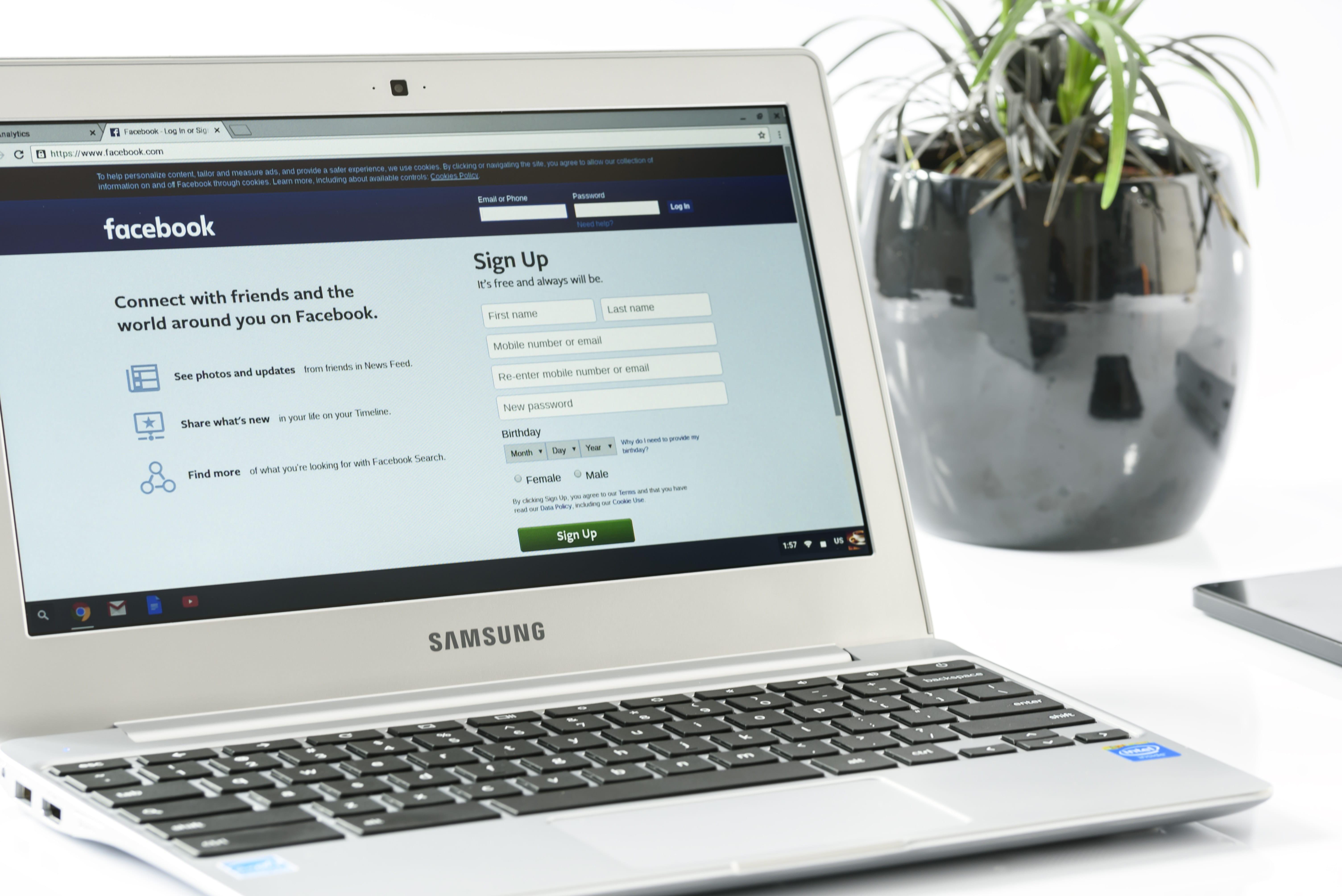 Come ridurre la propria visibilità su Facebook? Il caso Cambridge Analytica.