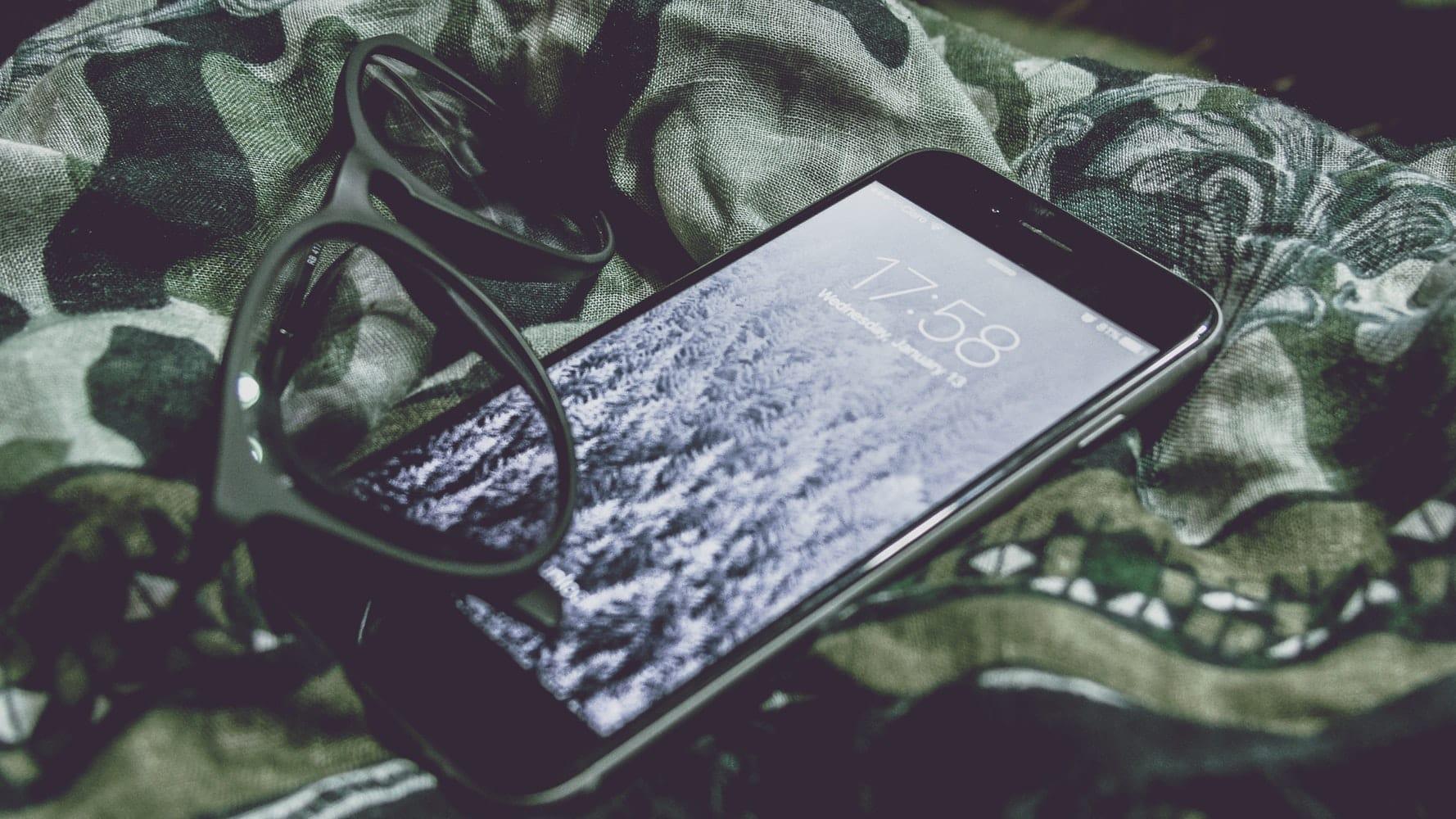 L'uragano Iliad scuote il mondo della telefonia mobile.