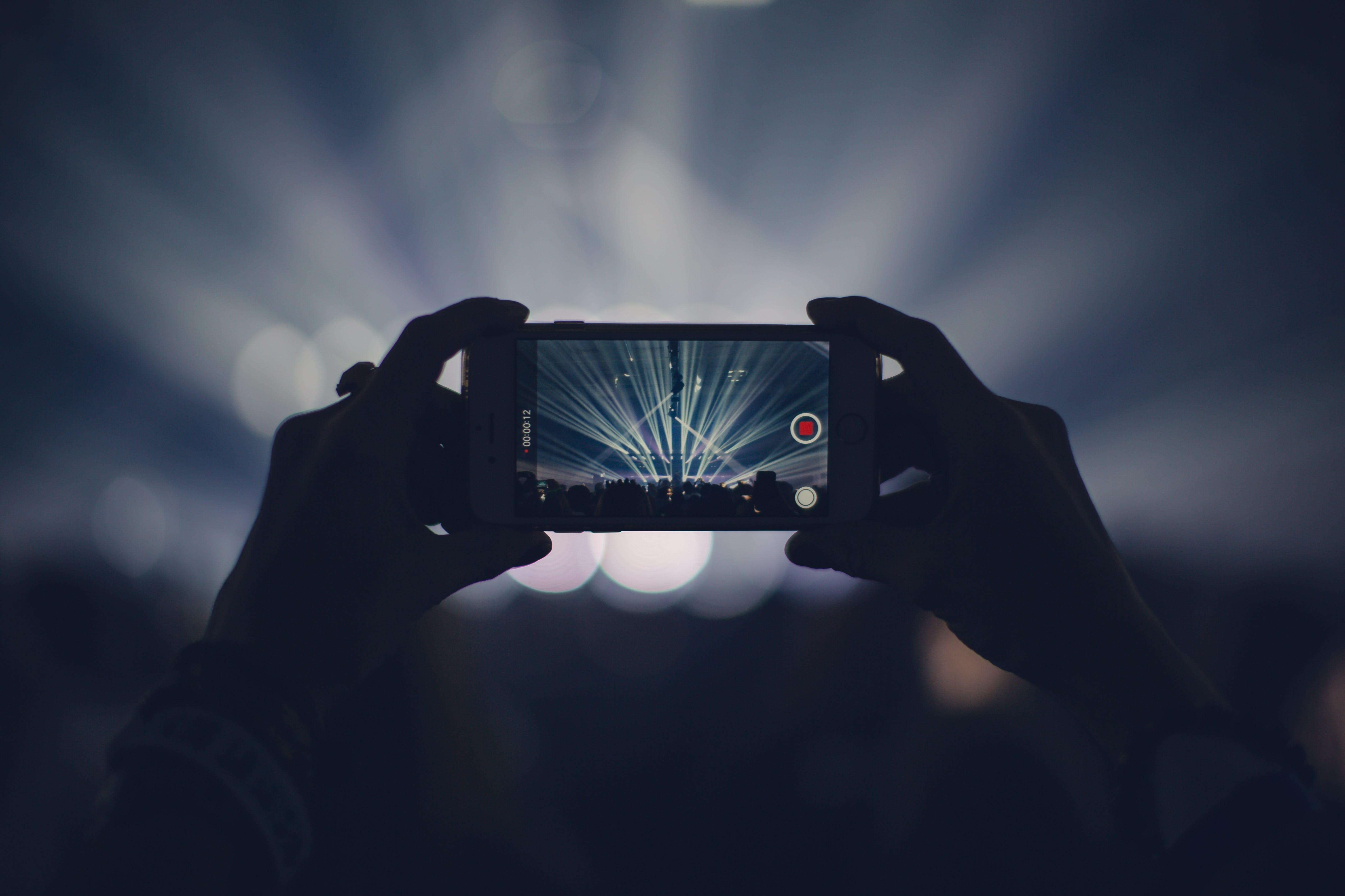 iPhone XS contro iPhone X: dimensioni, schermo, batteria e altri parametri